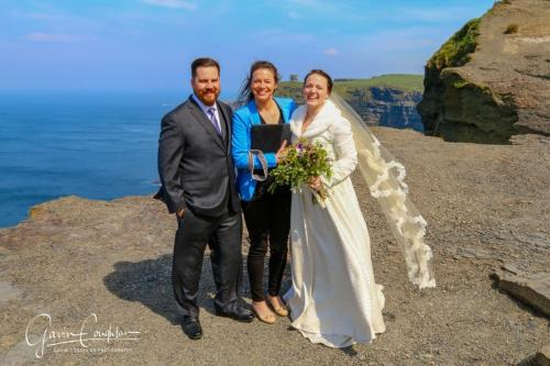 Celebrant Clara Malone at the Cliffs of MoherPhoto credit: Gavin Coughlan Photography